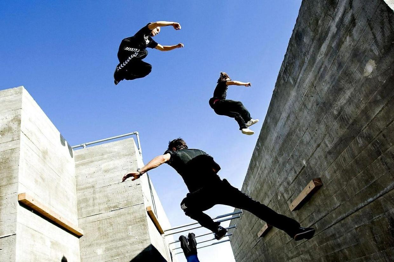 Parkour wall jump