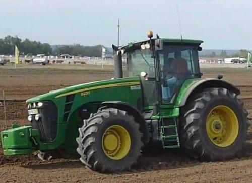 John Deere 8130, 8230, 8330, 8430 and 8530 2WD or MFWD Tractors Service Repair Manual (TM2270)