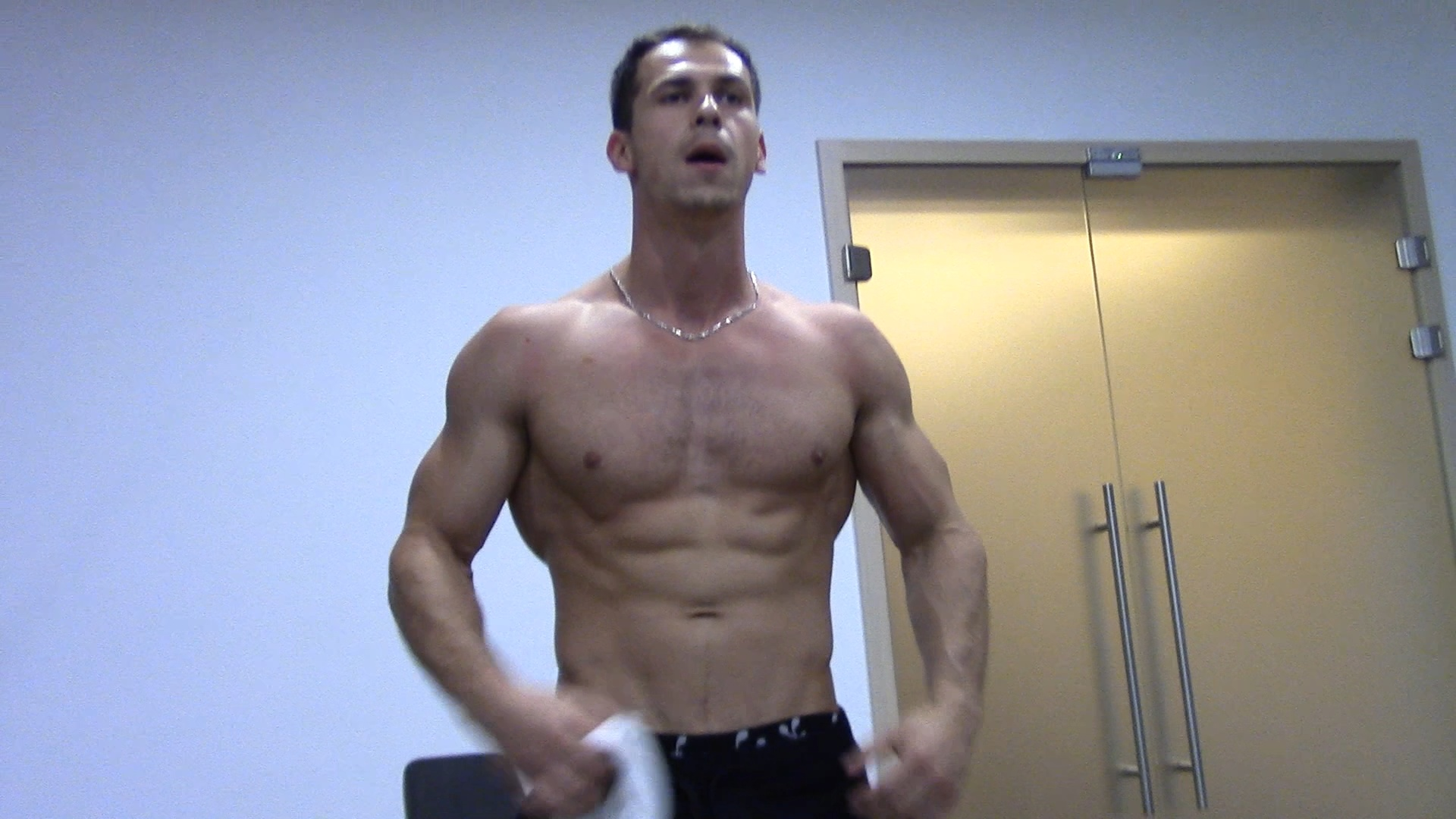 Posing & Training In The Gym