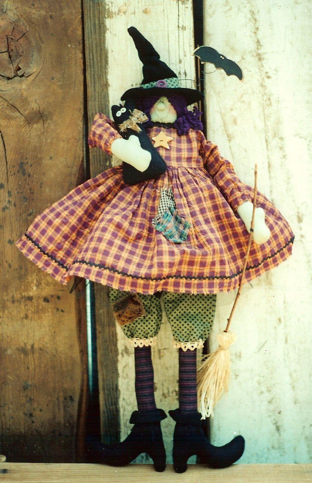 006e Gertrude 'n Salem ePattern