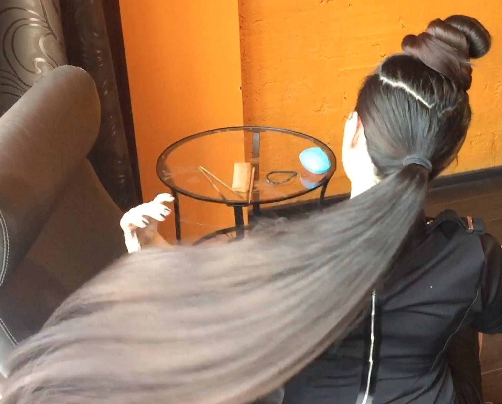 VIDEO - Mila´s double buns