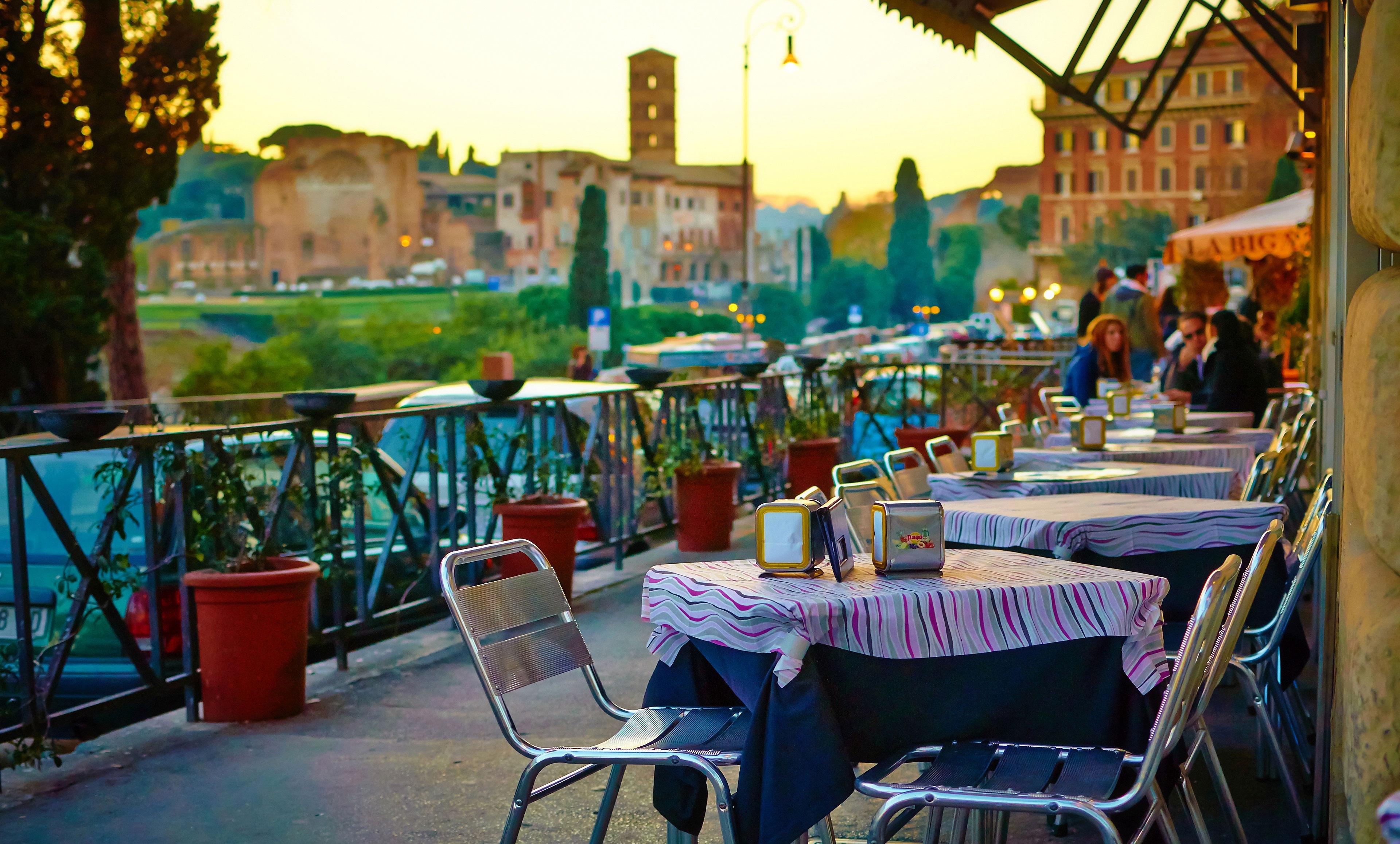 Buy cafe in Siena