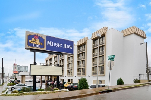 Daily Transient Parking - Best Western Plus Music Row, Nashville, TN
