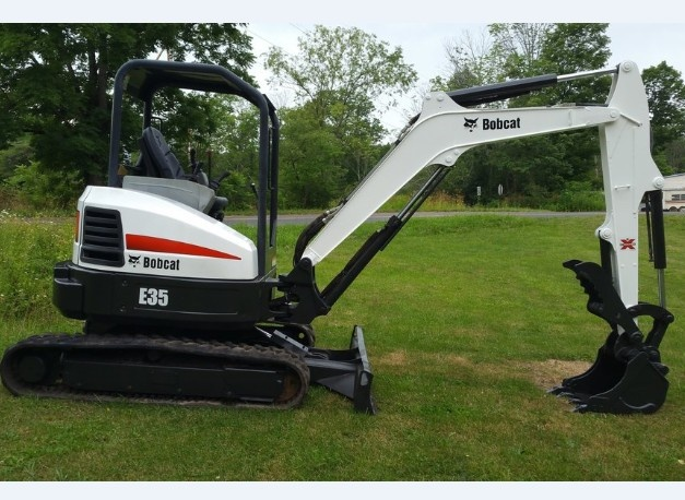 Bobcat E35 Compact Tractor Service Repair Manual (S/N A93K11001 & Above, S/N AC2P11001 & Above)