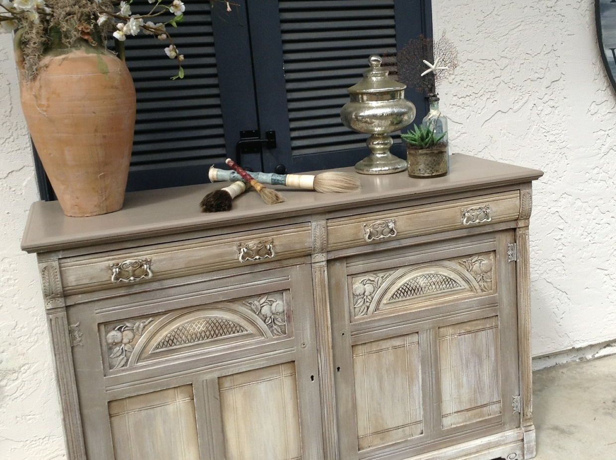 Kari Caldwell Studios for Ta Dah (How to work with Annie Sloan Chalk Paint)