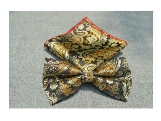 B Royal Designs Blk-Gold Pasley Bow Tie with Hankie (Shipping inlcuded)