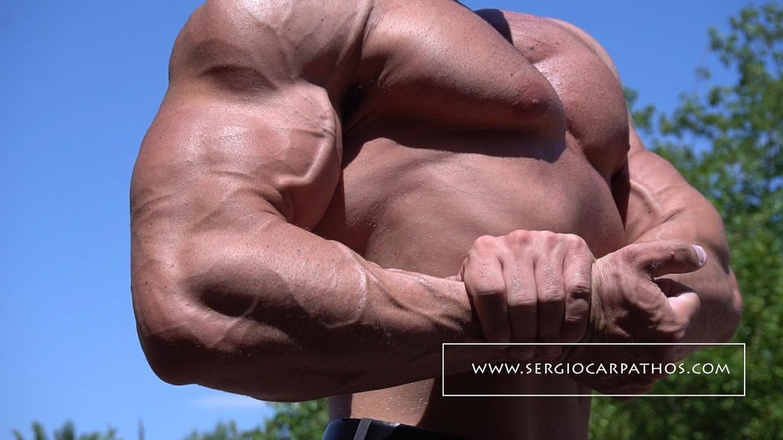 Sergio Carpathos Flexing In The Sun