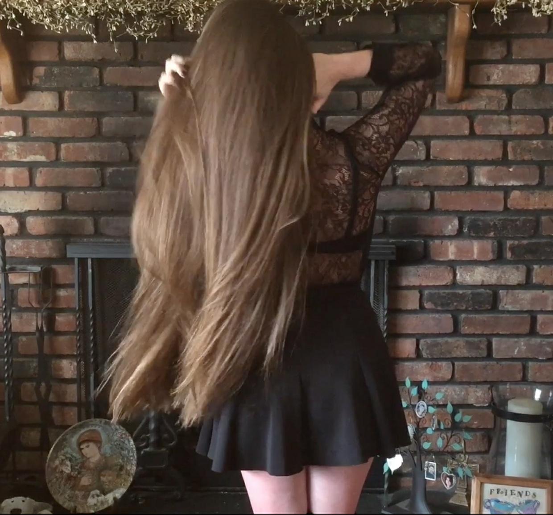 VIDEO - Heather´s silky hairplay