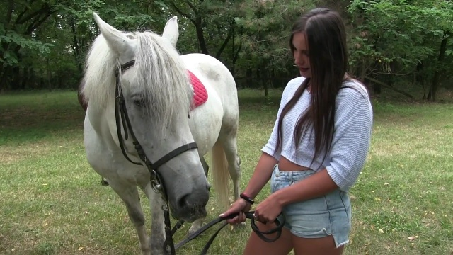 HRV003 - Horse Riding Vamp - Miss Iris