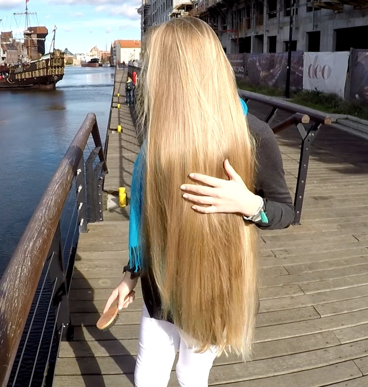 VIDEO - Jessica by the canal