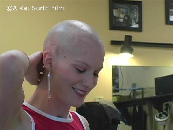 Kat's Barbershop Headshave
