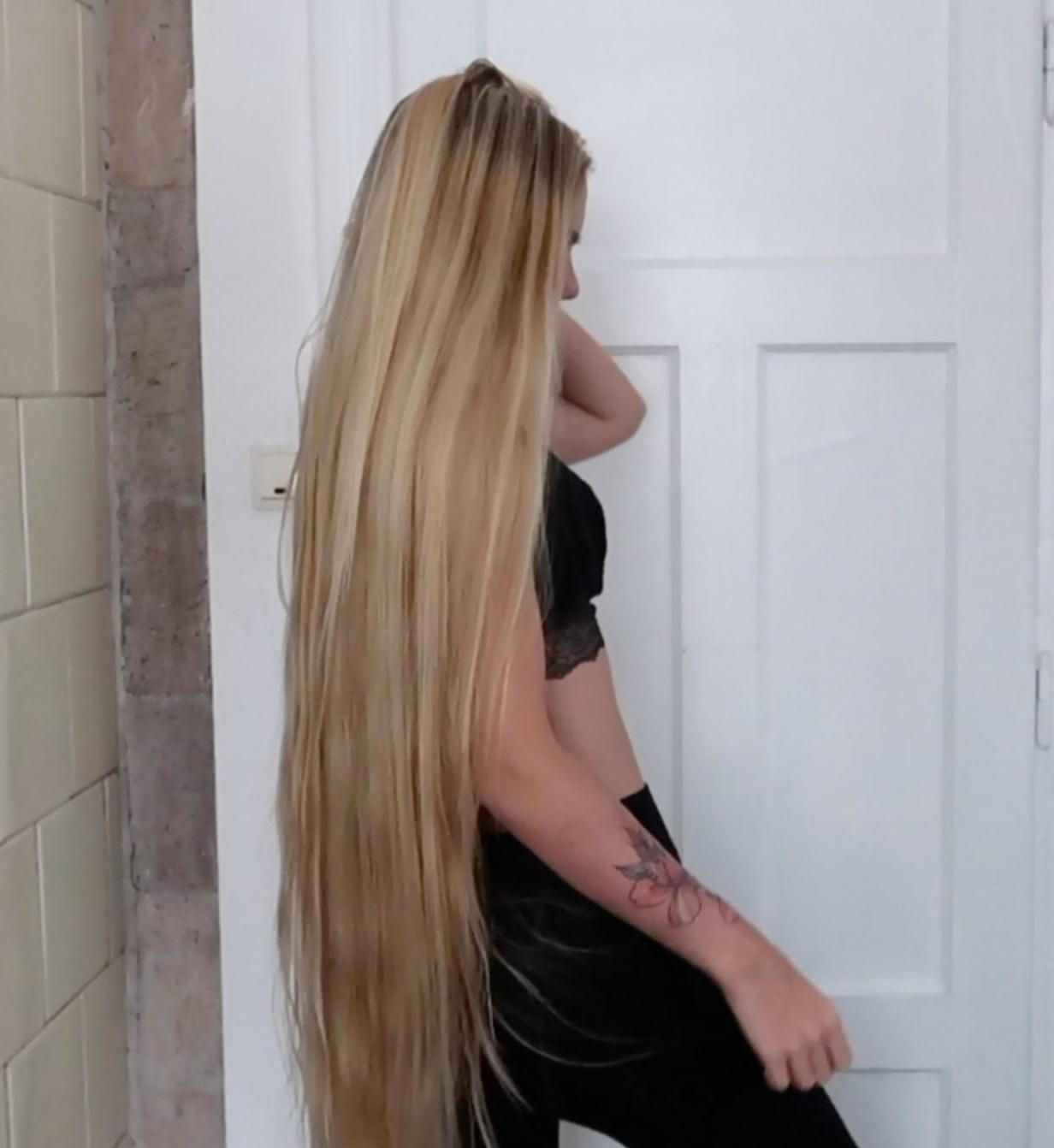 VIDEO - Dancing Rapunzel