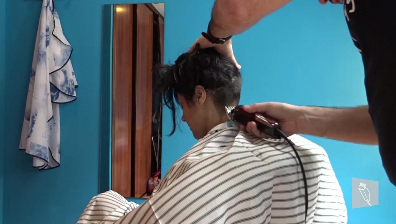 16 Vanesa: Curly long, buzzed nape, medium hair, sidecut, undercut & headshave