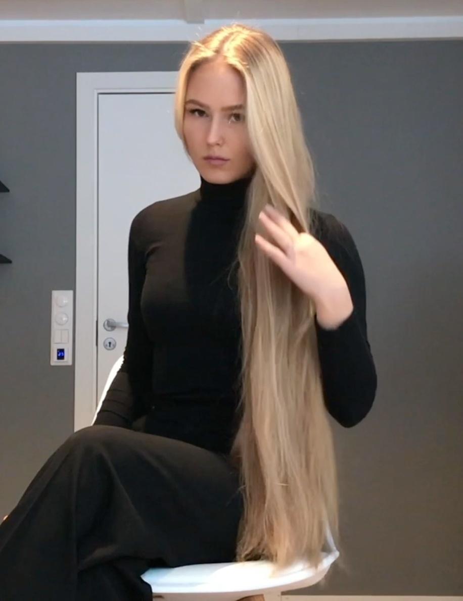 VIDEO - Beautiful Christine