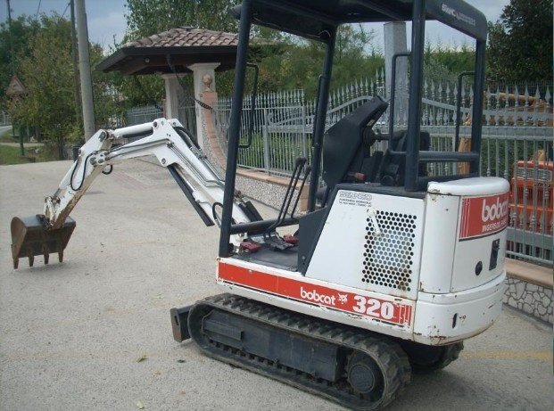 Bobcat 320, 320L Hydraulic Excavator Service Repair Workshop Manual DOWNLOAD (S/N 224511001 & Above)