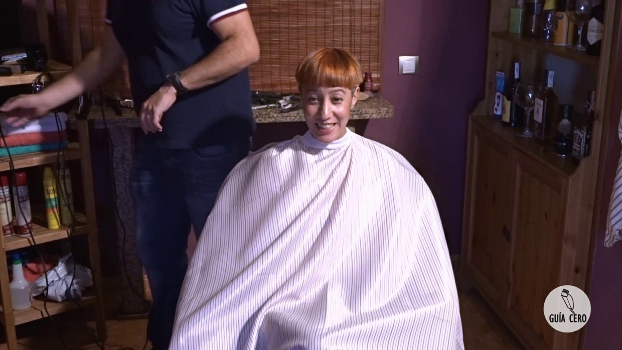 19 Marta: Long, bob, bowl, orange colour, tonsure, shaved
