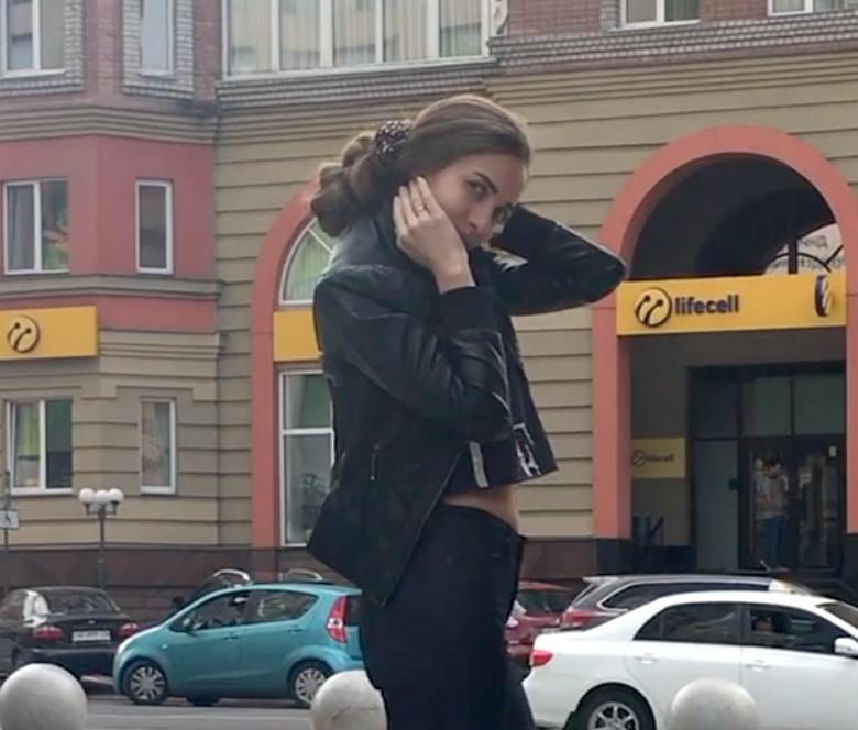 VIDEO - Long hair amusement