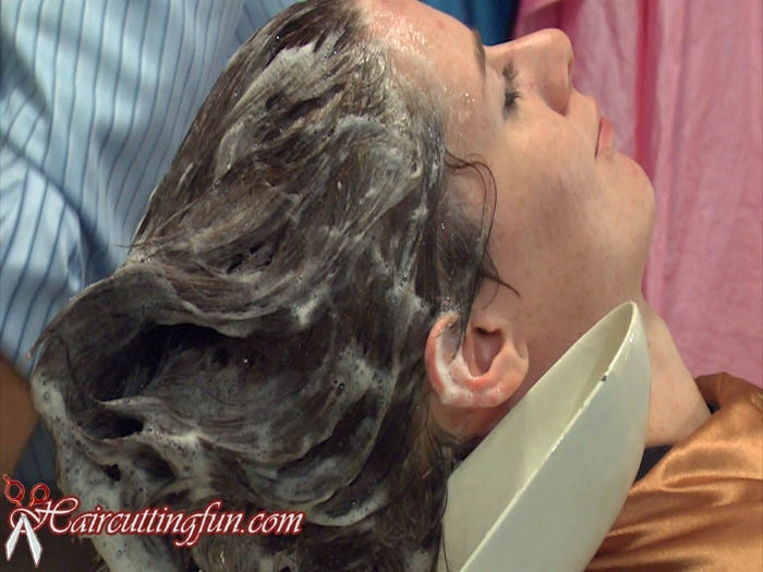 Giselle's Haircut and Haircolor - VOD Digital Video on Demad