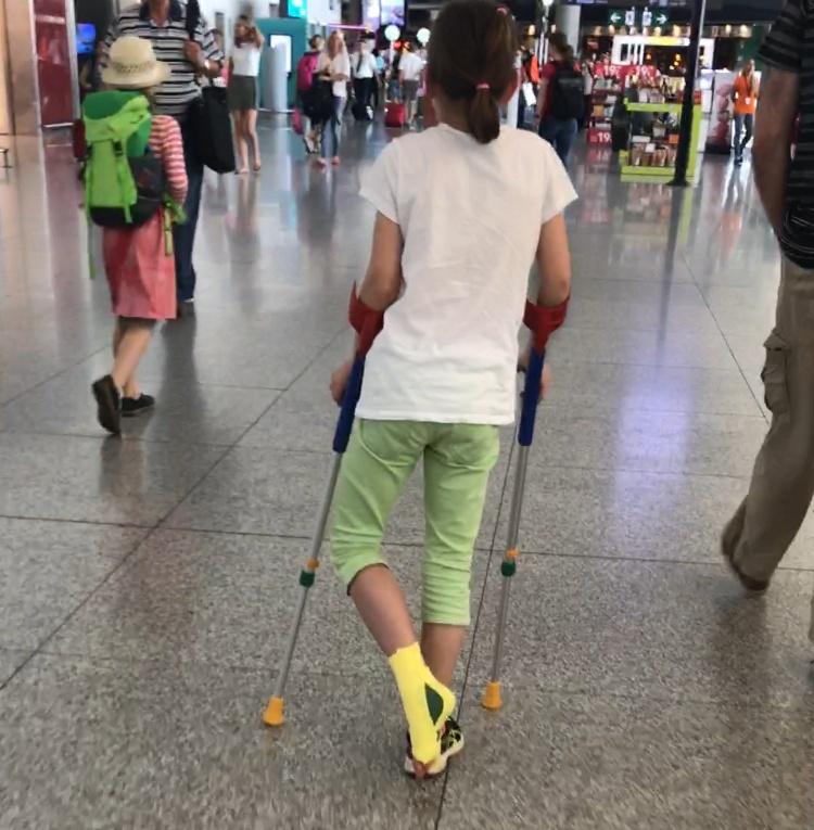 Airport Crutching