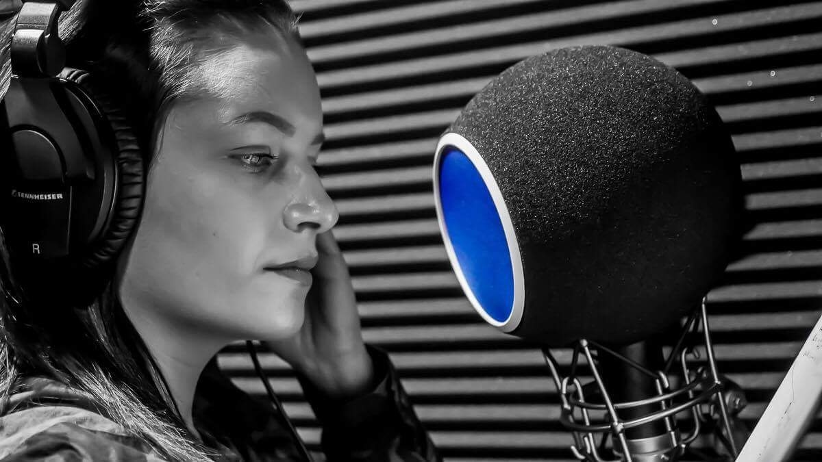 GO FOR GOLD By Ashley(140) HipHopR&BRapAcapellaSampleHookDanceCheerMixVoiceovers