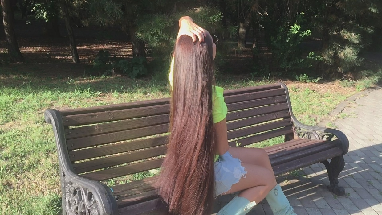 Mila Ivanova - Superthick Hairplay in Bench Outside (Ponytail & Braids)