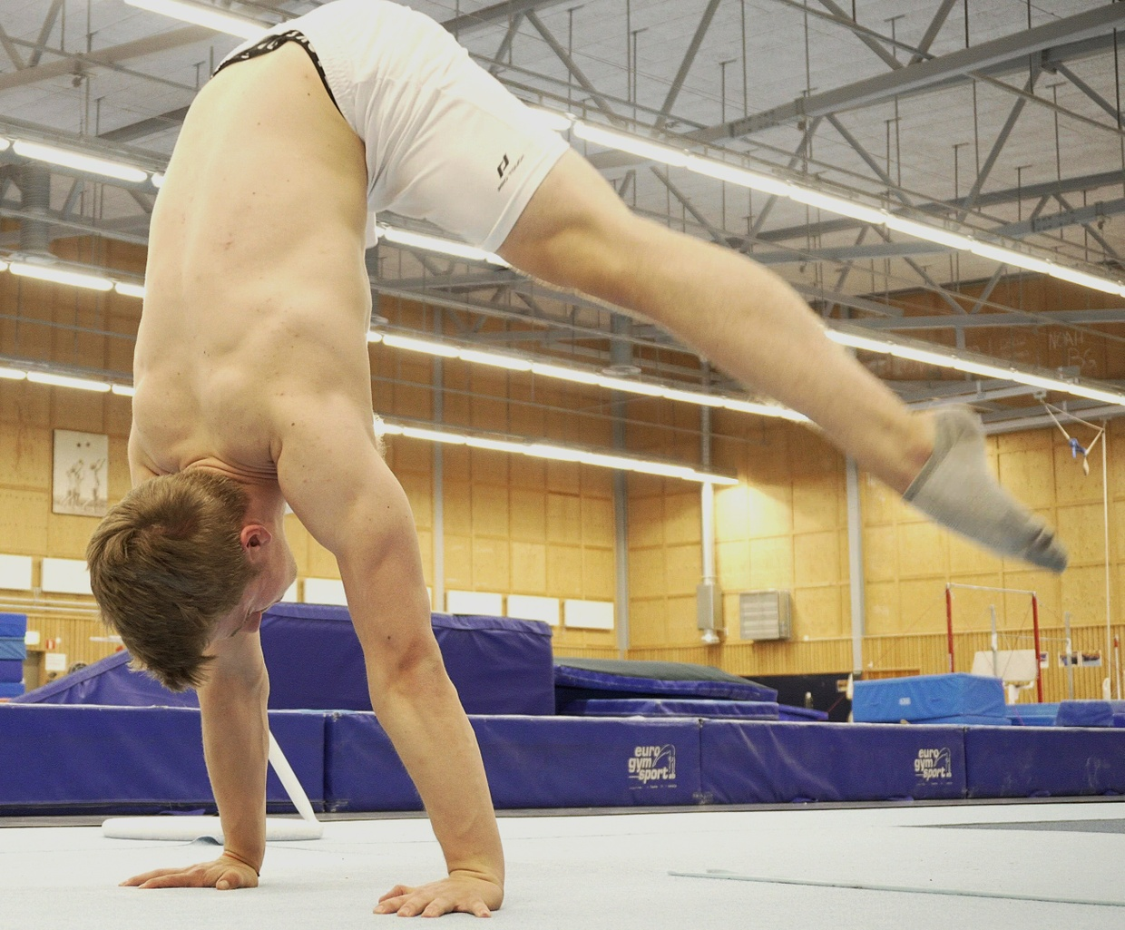 Master the Press handstand