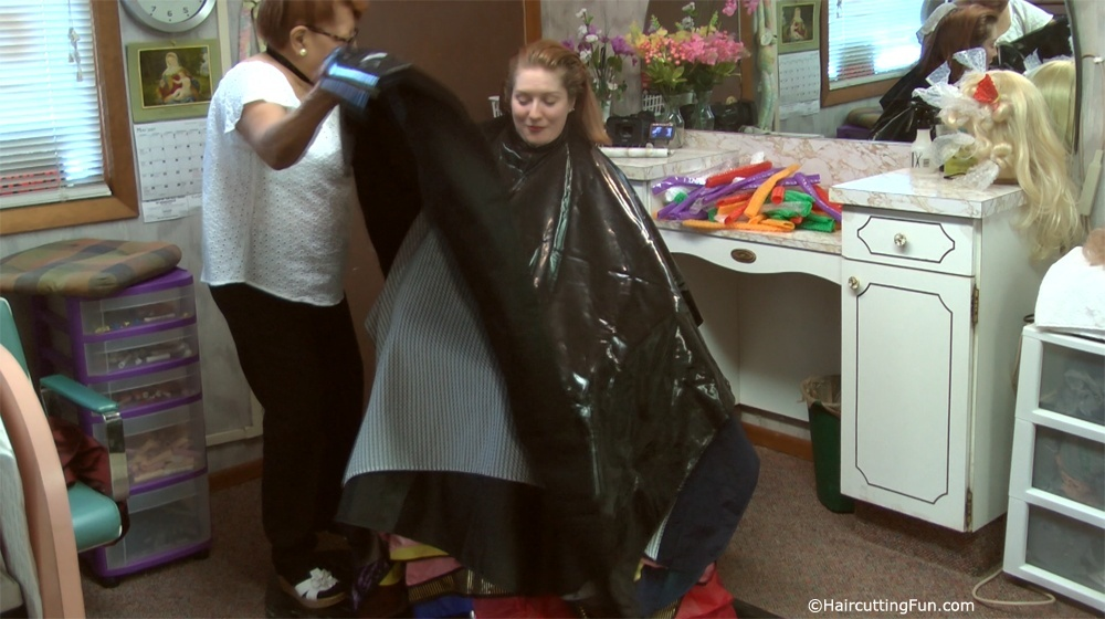 37 Beauty Salon Capes on Kat - VOD Digital Video Download