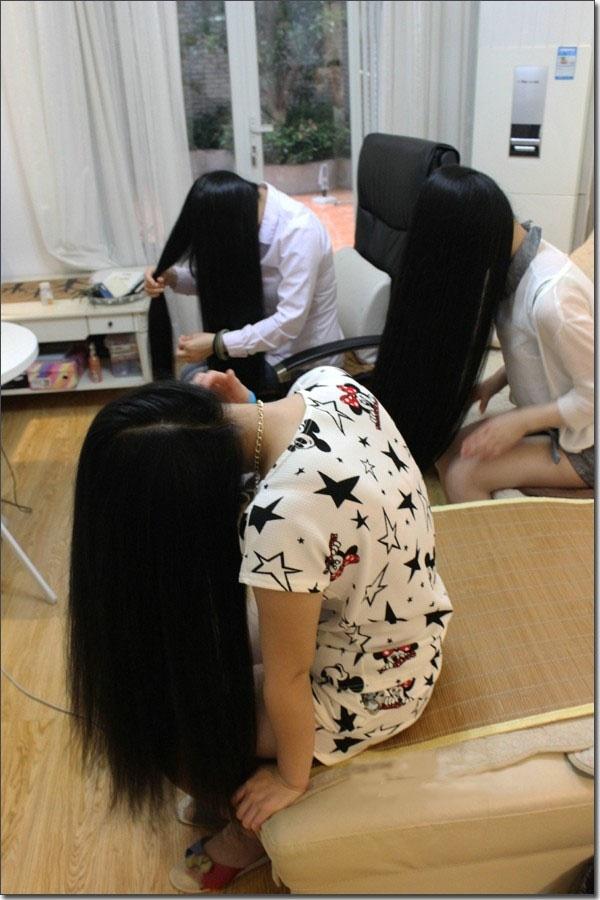 Three girls's haircut