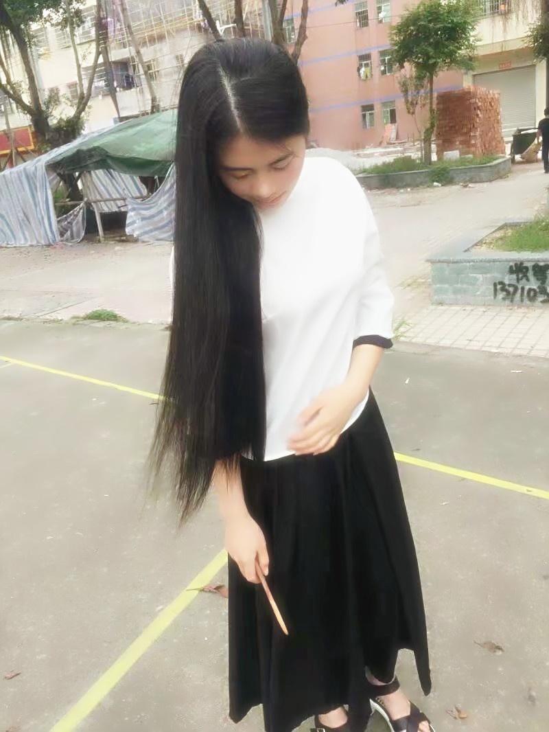 cheongsam girl got a haircut