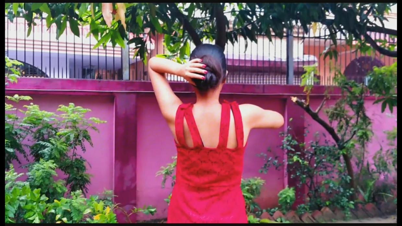Maitreni Mishra - Calf Length Hair Play Outside