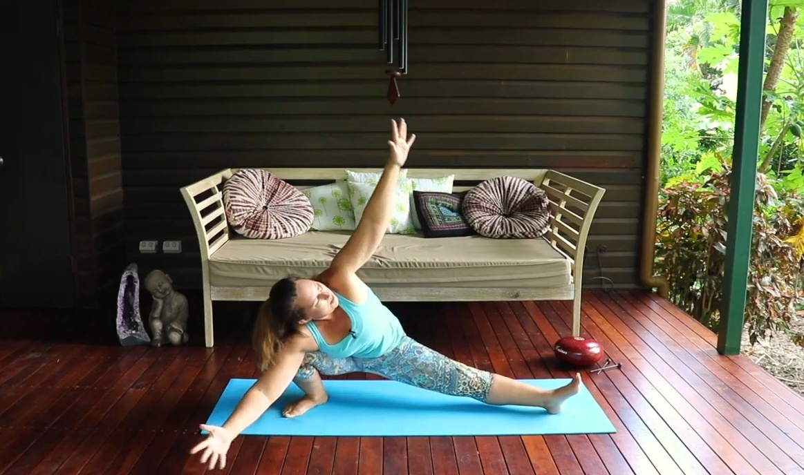 YogaFlow - Infinite Flow with Carrie-Anne Fields