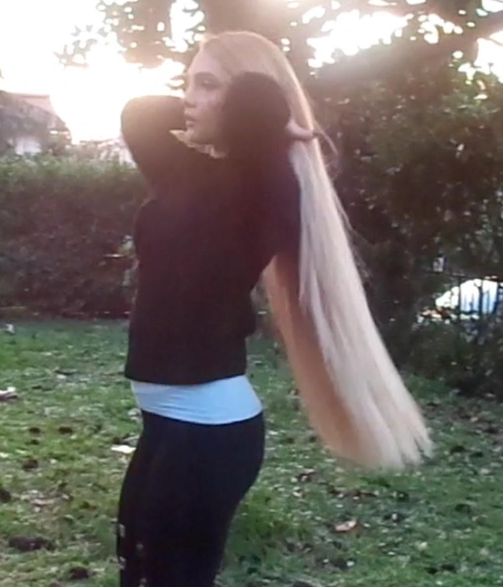 VIDEO - Silvia´s blonde gold