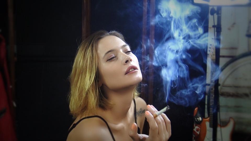 Smoking Model & Actress Inga 2
