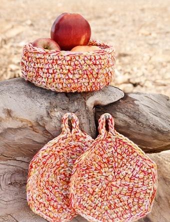 Basket & Potholders