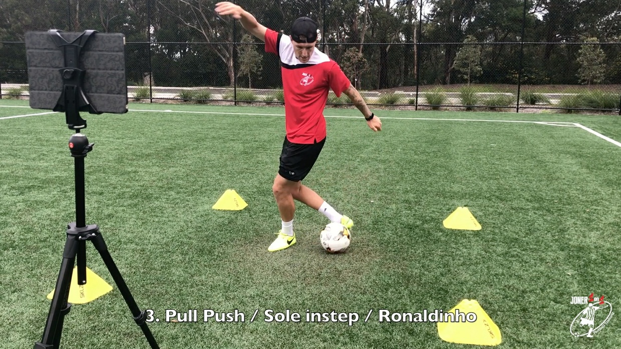 Fresh combinations of ball mastery. Difficult!!