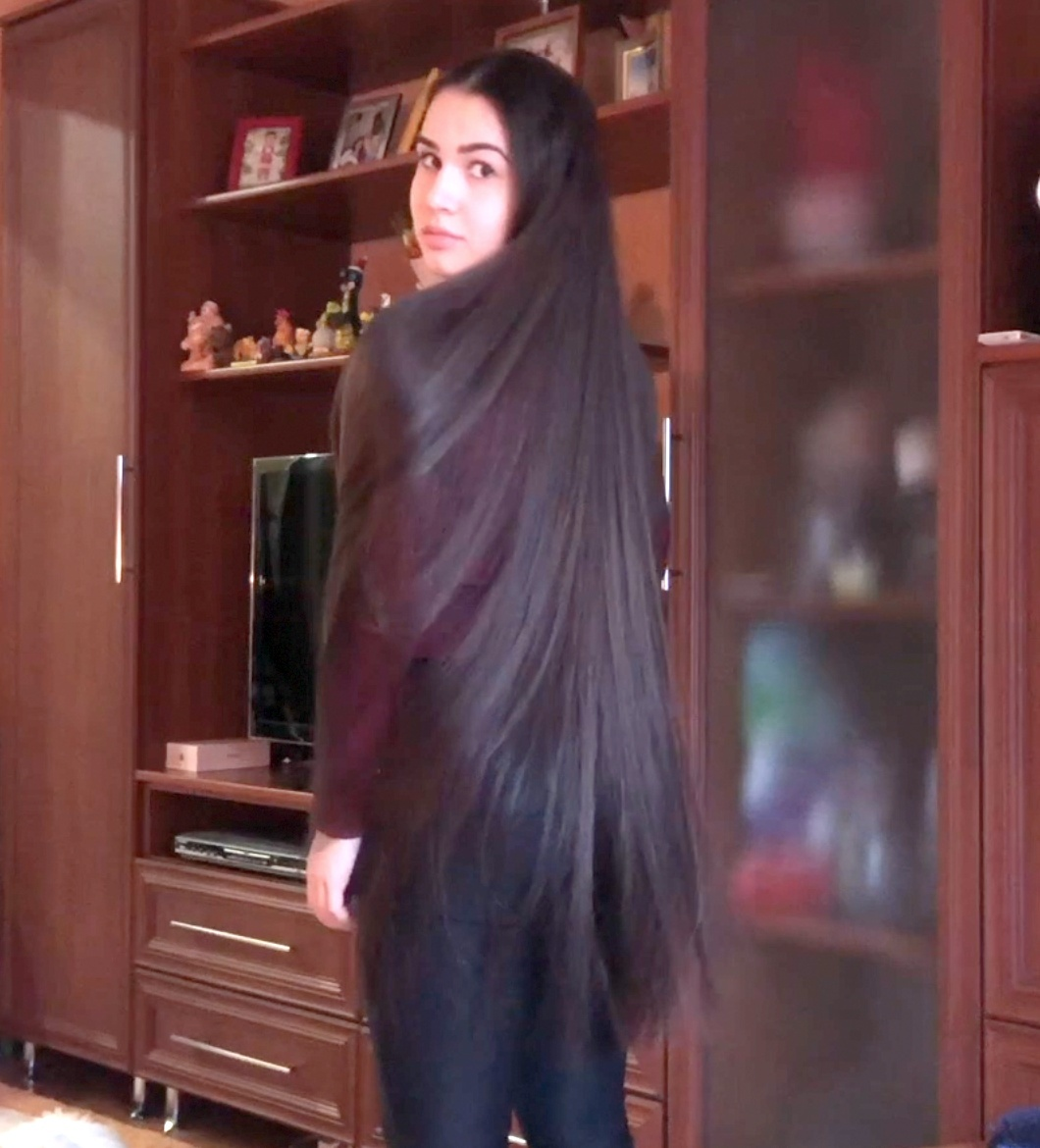 VIDEO - Diana´s silky show off 2
