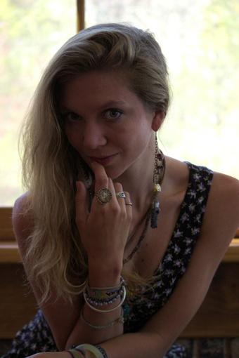 Corrine Raffles Her Hair Away (VIDEO ONLY)