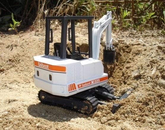 Bobcat X225 Hydraulic Excavator Service Repair Workshop Manual DOWNLOAD (S/N 508312000 & Above)