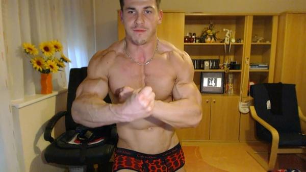 Shredded Muscle Flexin'