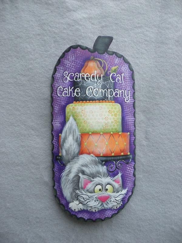 e532 Scaredy Cat Cakes