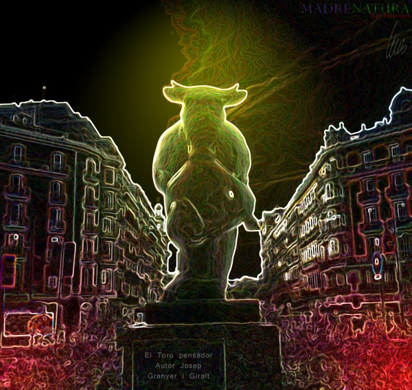 El toro pensador Barcelona  Foto retoke x lluis betancort