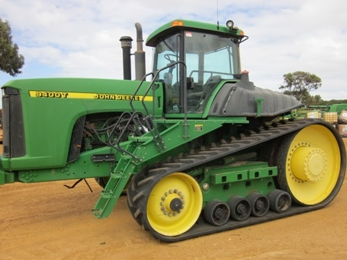 John Deere 9300T and 9400T Tracks Tractors Diagnosis and Tests Service Manual (tm1784)