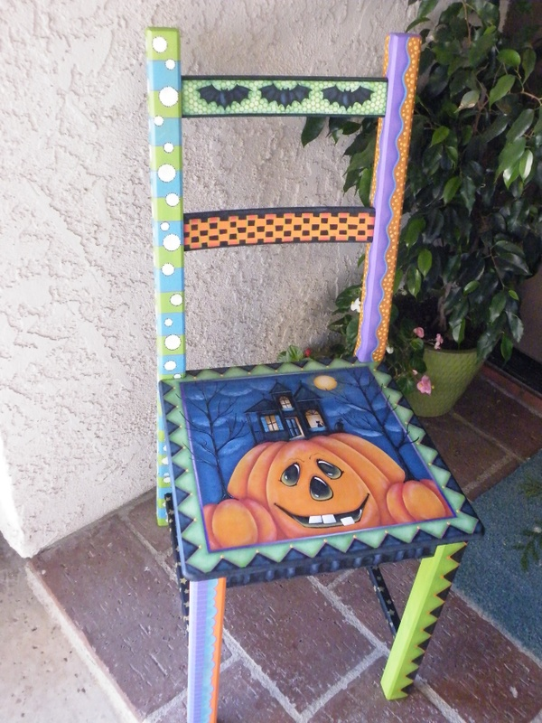 e575 Halloween Chair