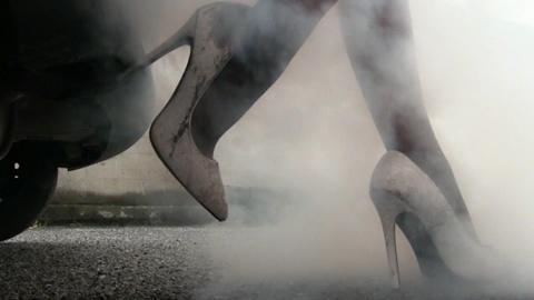 226 : Miss Iris & Miss Black Mamba - Hot Smokey Heels