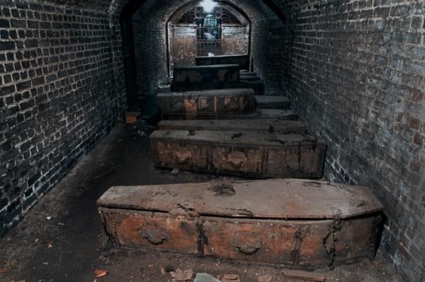 H.P. Lovecraft: Nella Cripta