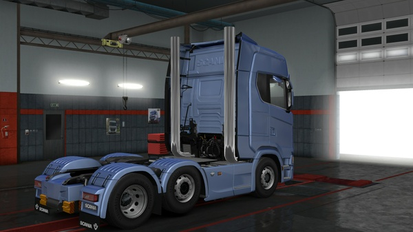 Scania S&R series stacks pipes
