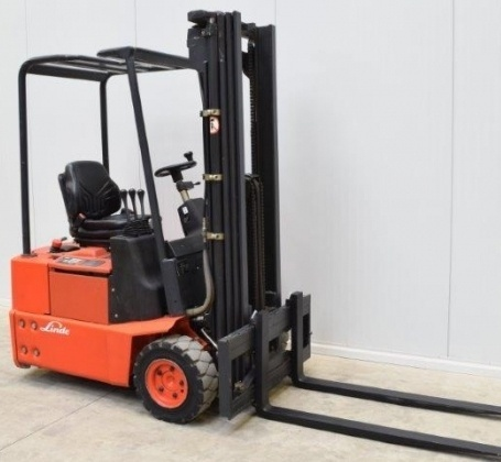 Linde Forklift Trucks 324 series: E12-02, E15-02, E16-02 Operating User Manual