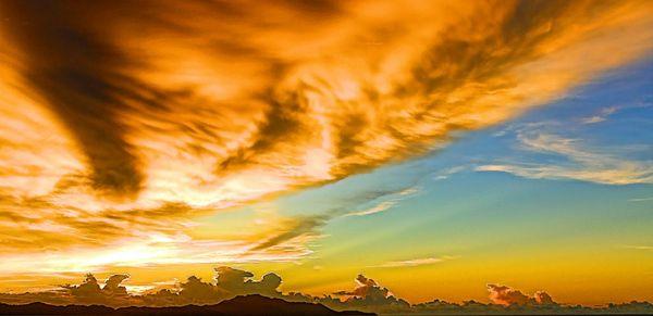 The orange fire  cloud