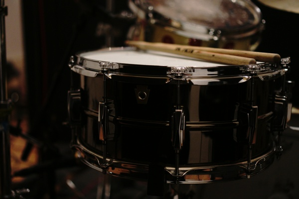 #5 Ludwig Black Beauty Close Snare Sample