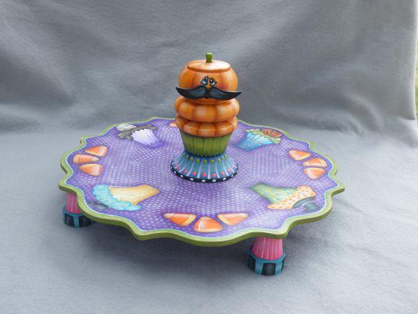 e526 Halloween Cupcake Plate